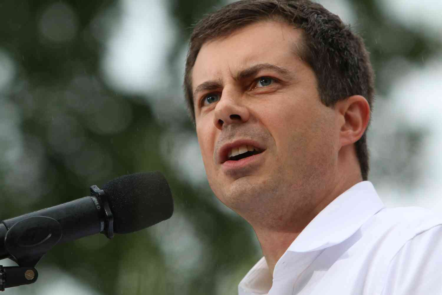 Buttigieg promises health care to illegal immigrants if elected president