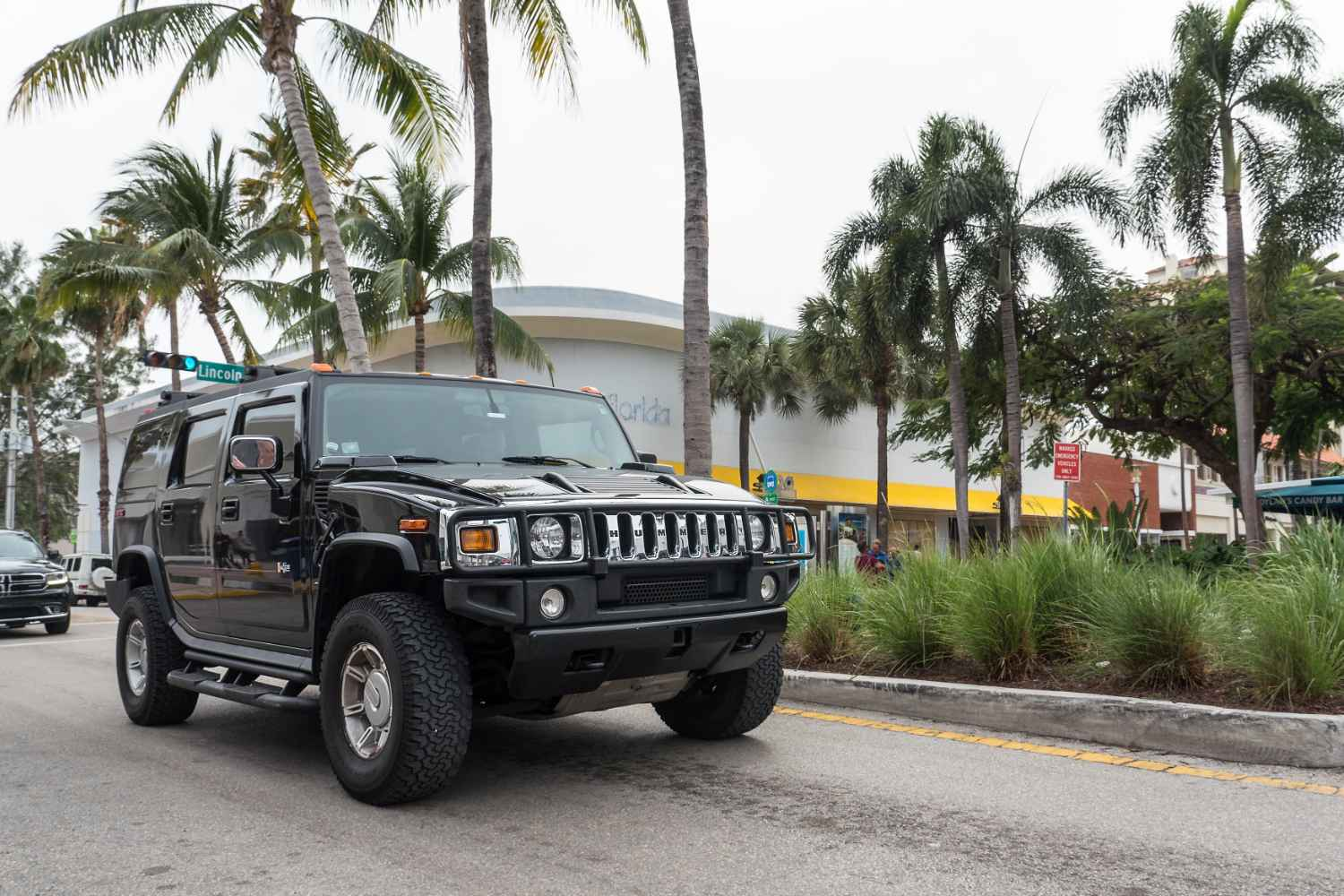 GM reviving Hummer name for new all-electric pickup: WSJ ...