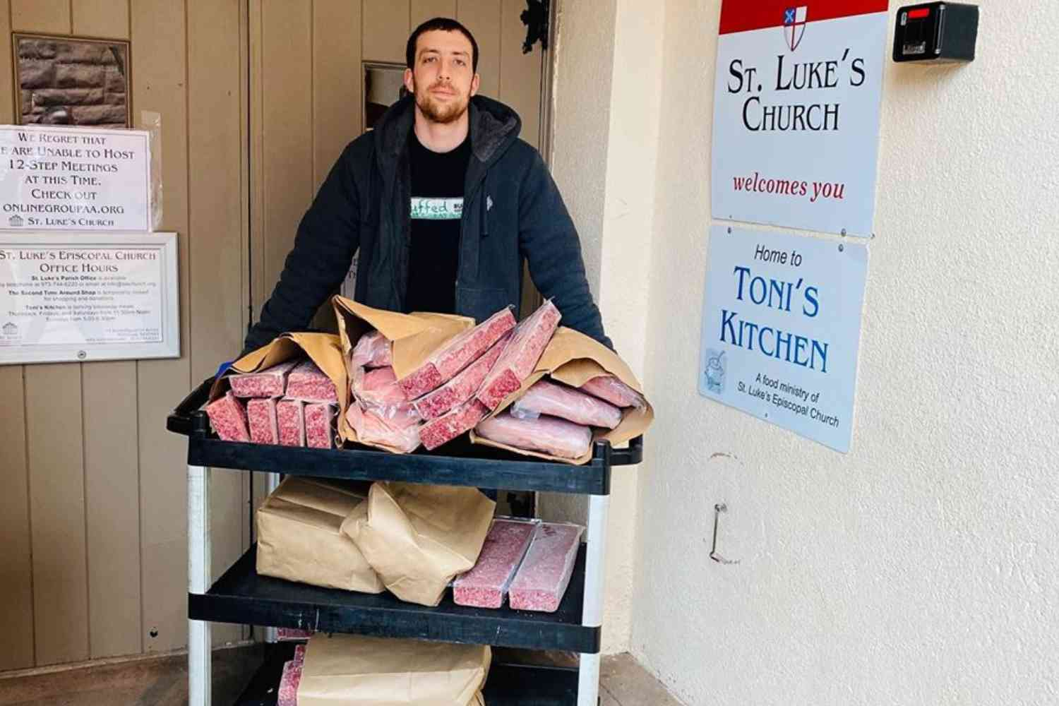 Neighbors buy $1,200 worth of beef from restaurant, donate it to food pantry